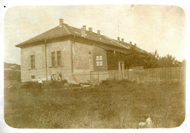 Villányi út 44. Közhely - a régi ház
