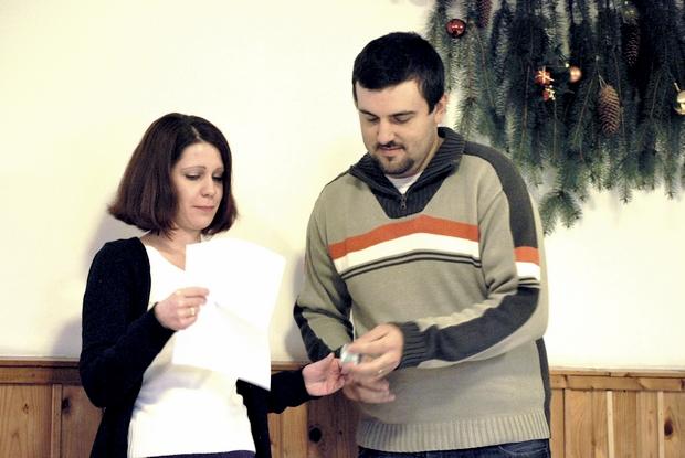 A harmadik adventi gyertyát Olga és Sanyi gyújtották meg
