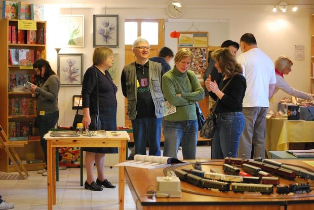Festmény, fotó, gyöngyékszer, vasútmodell, kézműves játék és más hobbitárgyak várták az érdeklődőket