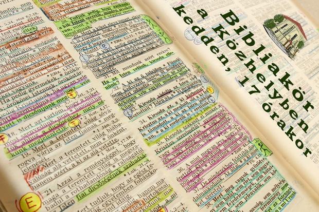 Bibliakör a Közhelyben