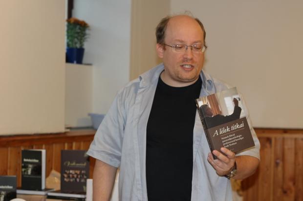Izsák Norbert és A lélek titkai c. könyve